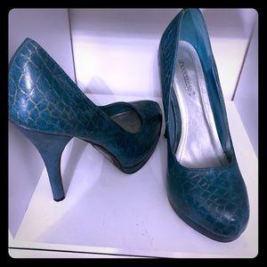 Stilettò pump heels teal color